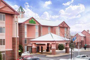 Wyndham Garden Hotel exterior photo